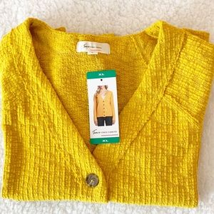 NWT Two by Vince Camuto Yellow Sweater Size XL